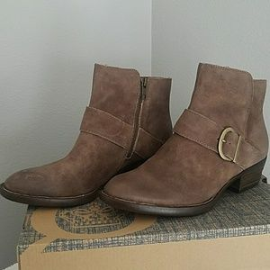 Born Baloy Taupe Distressed Leather Ankle Boots